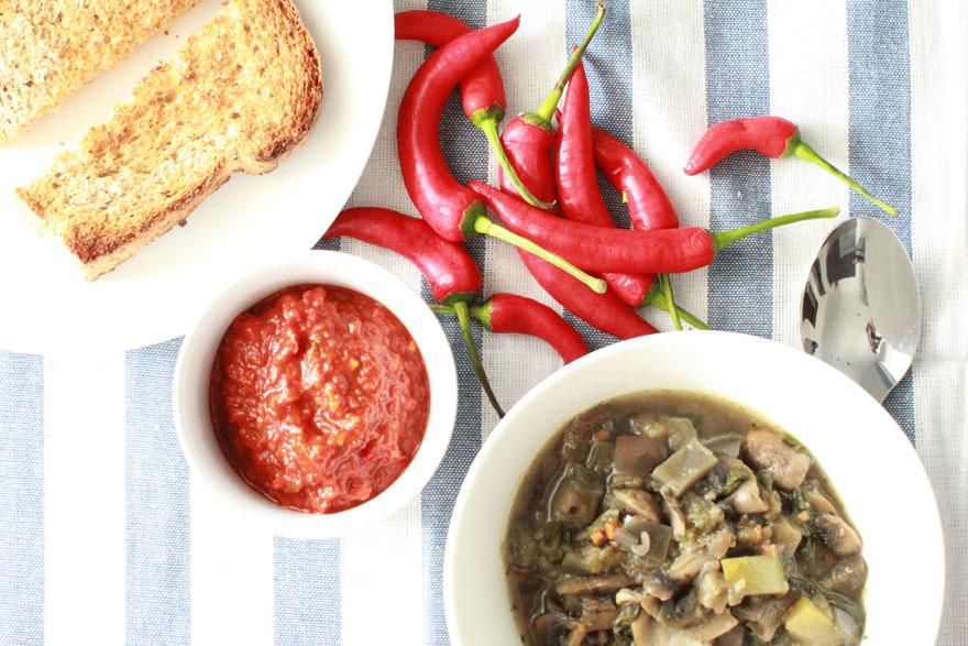 Рагу-с-морепродуктами-и-грибами
